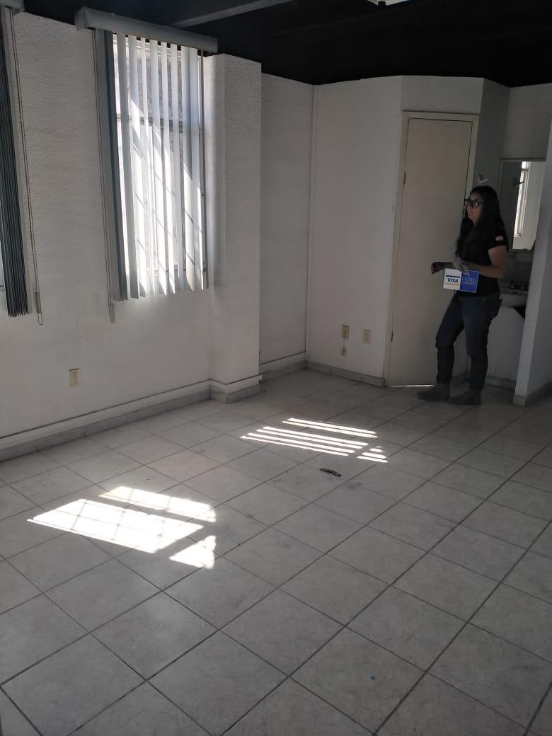 EN RENTA PISO DE OFICINAS AV. AGUASCALIENTES